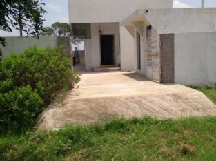 1 BHK House with Open Site for Sale at Vadlamuru / Gorinta Village Border