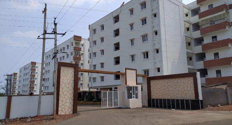 3BHK & 2BHK Flats for Sale at GSL Hospital Backside, Rajamahendravaram.