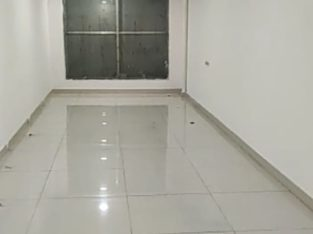 G +3 Commercial Building For Rent Near CMR Shopping Mall, Kandakam Road, Rajamahendravaram.